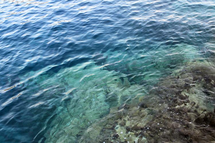 Море в Порто Лимнионас