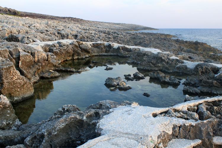 Природный бассейн в Порто Рокса